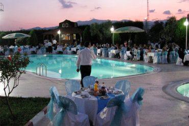 Villa Familia açık restorant